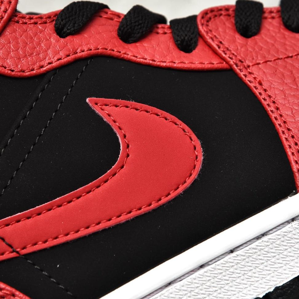 Air Jordan 1 Mid Bred 10