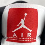 Air Jordan 1 Mid GS Chicago 2020 13