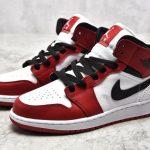 Air Jordan 1 Mid GS Chicago 2020 4