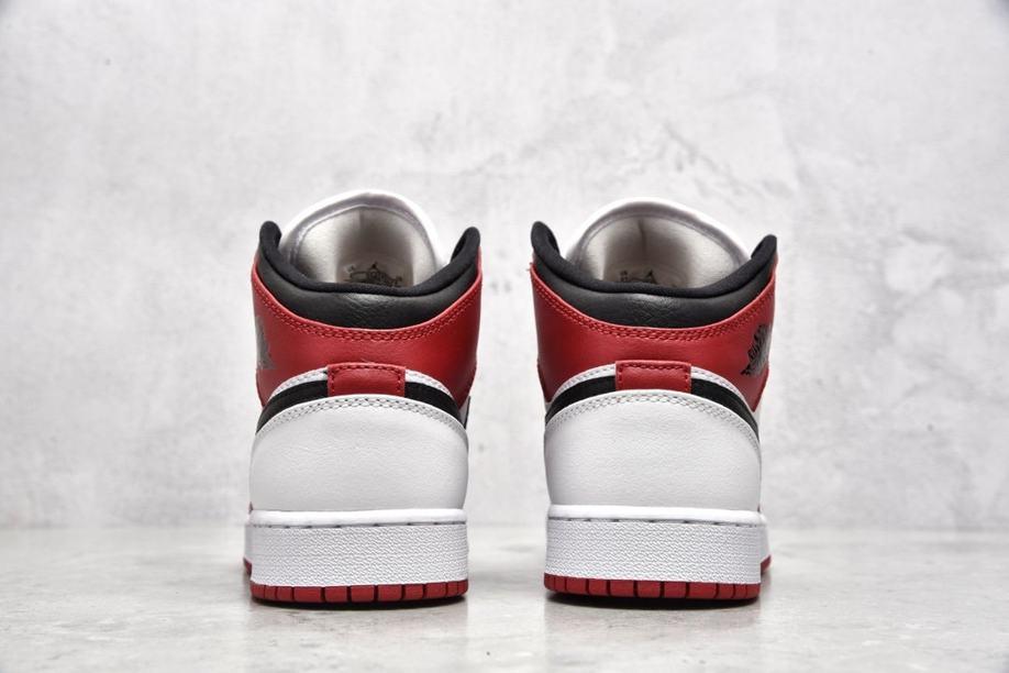 Air Jordan 1 Mid GS Chicago 2020 7