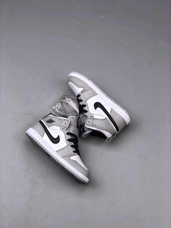 Air Jordan 1 Mid Light Smoke Grey PS 1