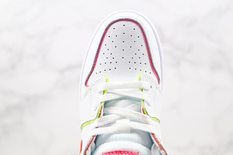 Air Jordan 1 Mid SE GS Edge Glow 5