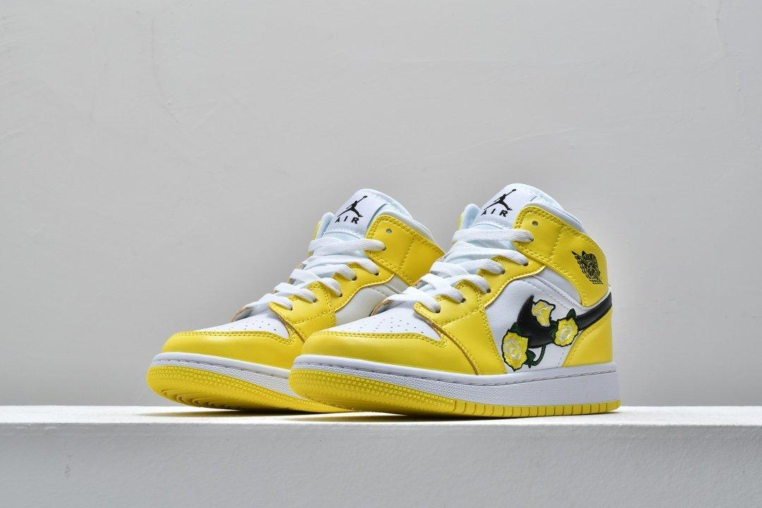 Air Jordan 1 Mid SE GS Rose Patch Dynamic Yellow 4