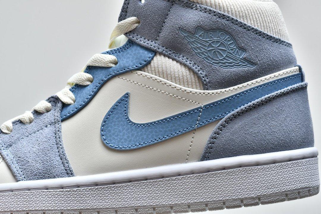 Air Jordan 1 Mid SE Sail Light Blue 9