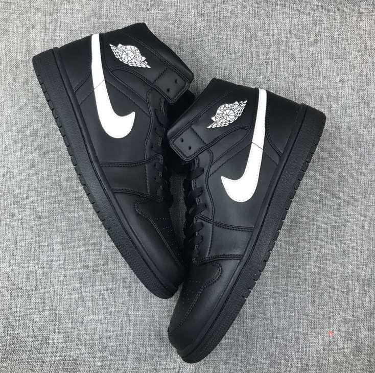 Air Jordan 1 Mid Speckle 3