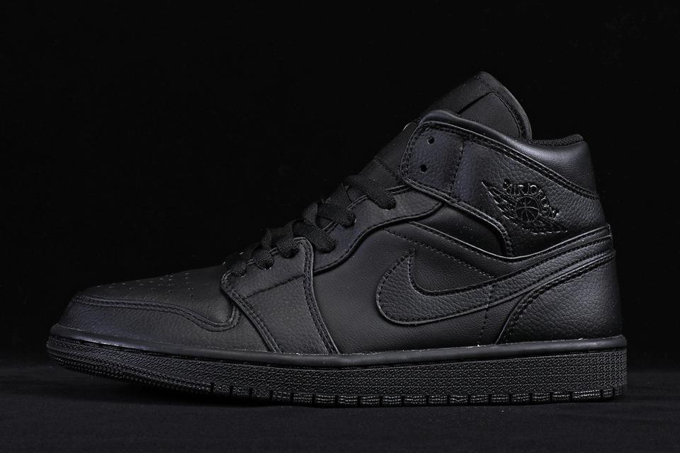Air Jordan 1 Mid Triple Black 2