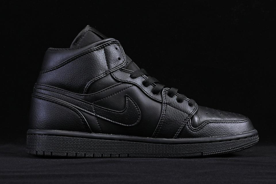 Air Jordan 1 Mid Triple Black 3