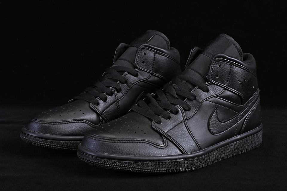 Air Jordan 1 Mid Triple Black 4