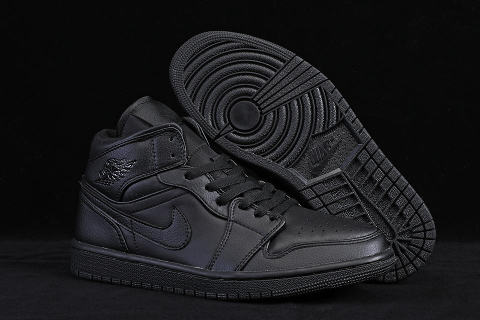 Air Jordan 1 Mid Triple Black 5