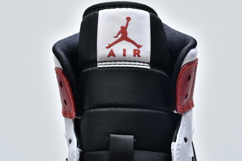 Air Jordan 1 Mid White Chicago 15