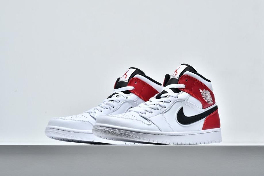 Air Jordan 1 Mid White Chicago 5