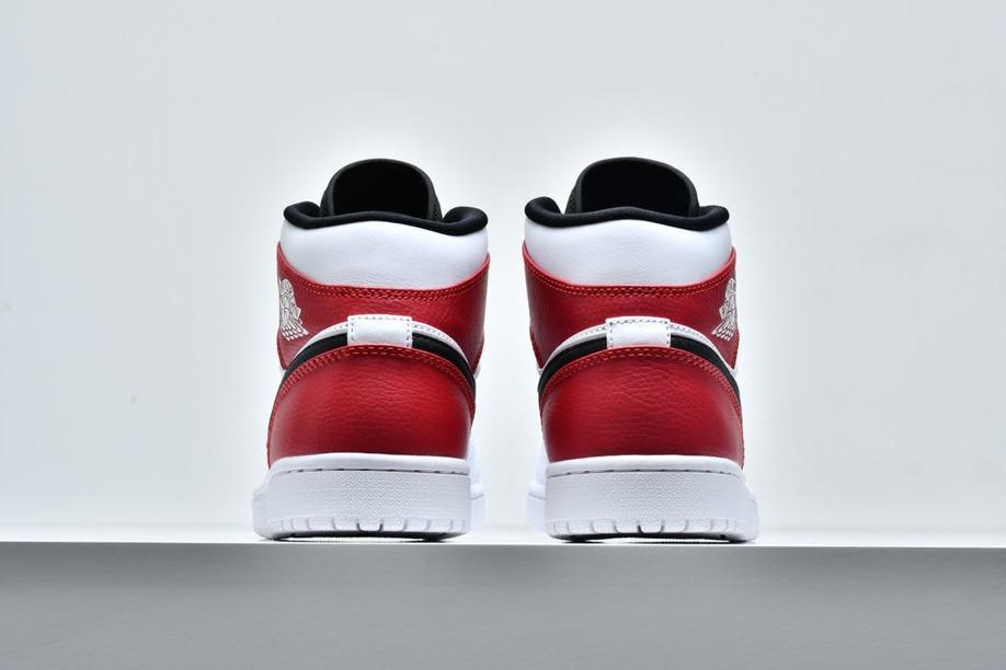 Air Jordan 1 Mid White Chicago 6