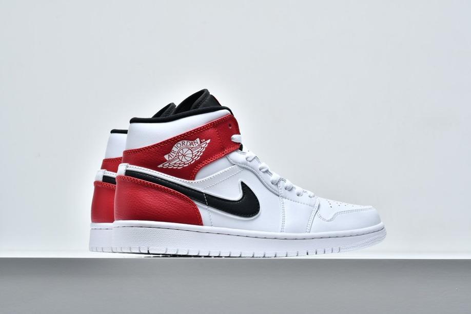 Air Jordan 1 Mid White Chicago 7