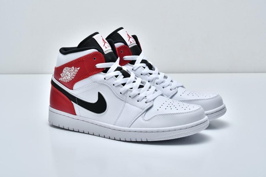 Air Jordan 1 Mid White Chicago 8
