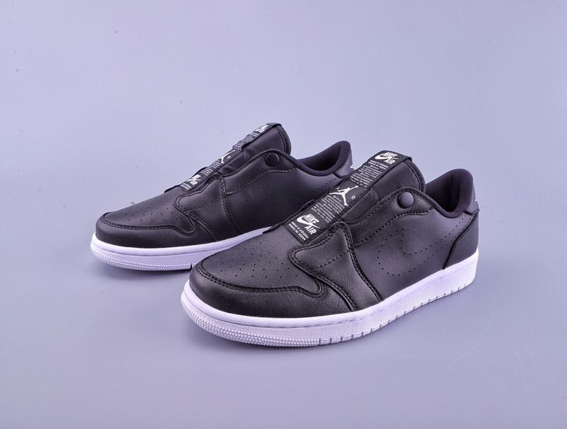 Wmns Air Jordan 1 Low Slip Black 1