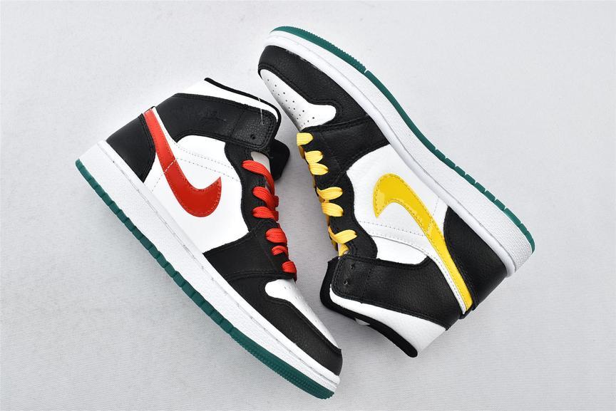 Wmns Air Jordan 1 Mid Alternate Swoosh 7