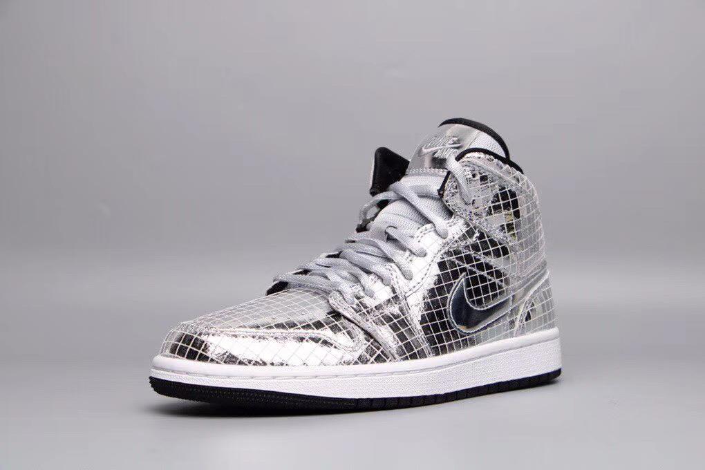Wmns Air Jordan 1 Mid Disco Ball 4