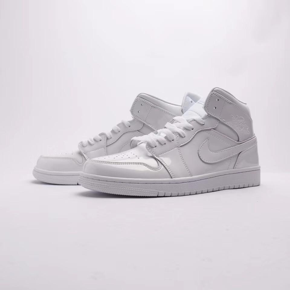 Wmns Air Jordan 1 Mid Patent Triple White 3