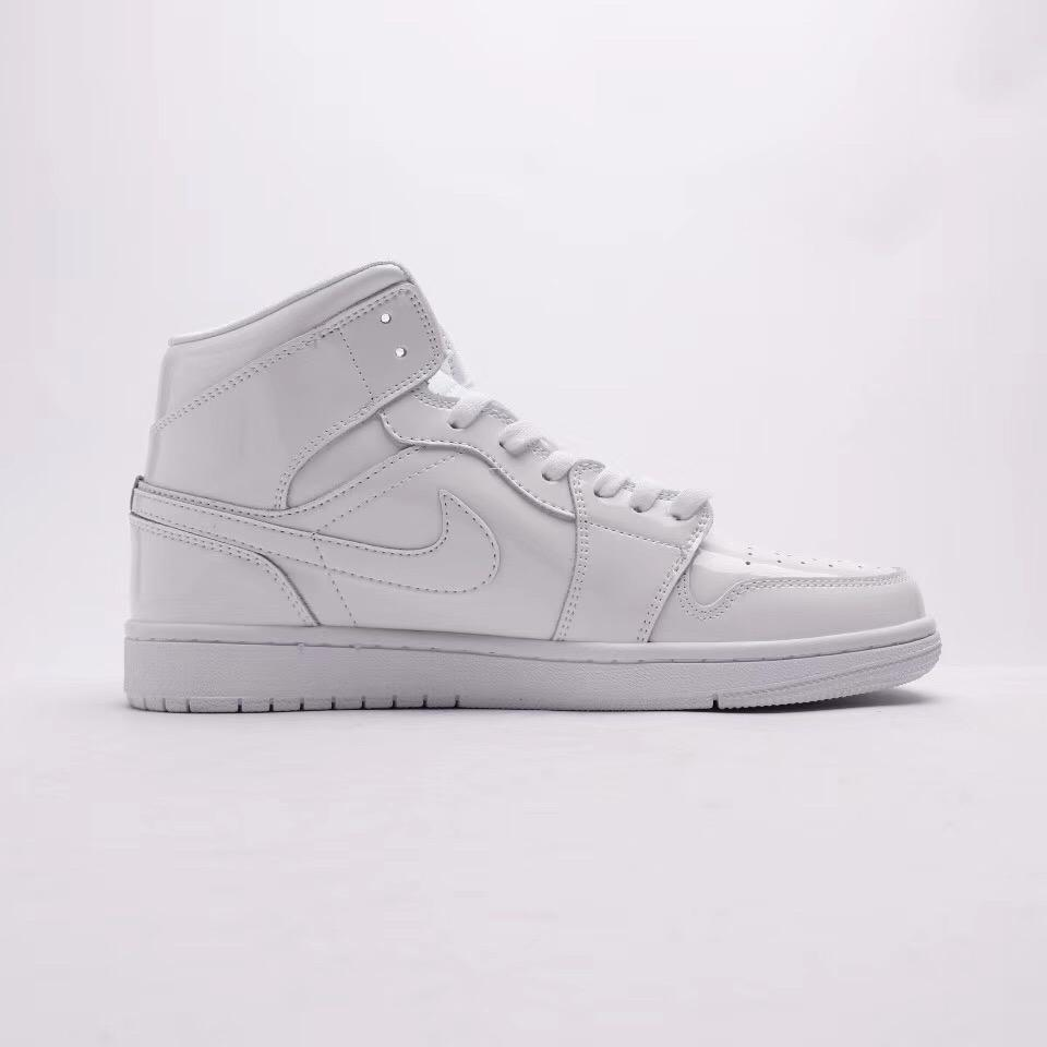 Wmns Air Jordan 1 Mid Patent Triple White 5