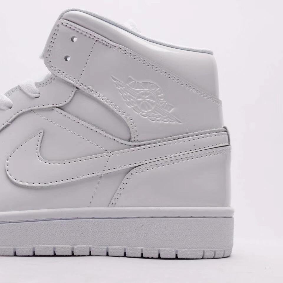 Wmns Air Jordan 1 Mid Patent Triple White 7