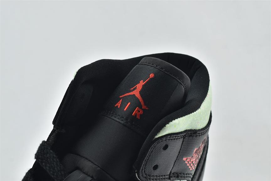 Wmns Air Jordan 1 Mid SE Black Barely Volt 12