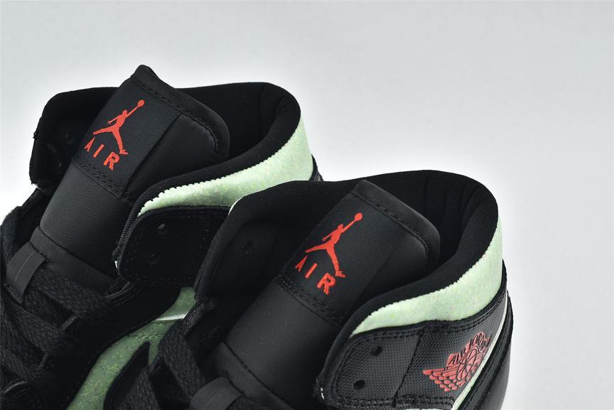 Wmns Air Jordan 1 Mid SE Black Barely Volt 4