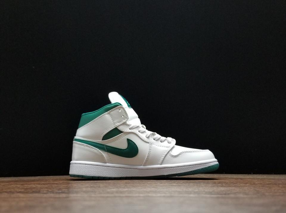 Air Jordan 1 Mid Mystic Green 4