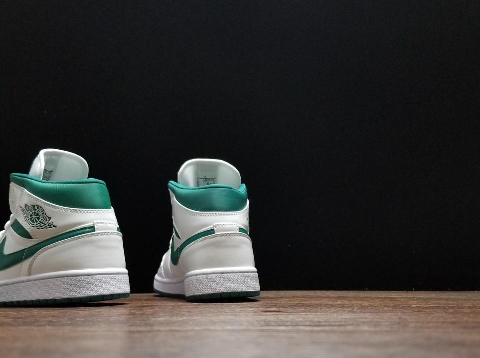 Air Jordan 1 Mid Mystic Green 7