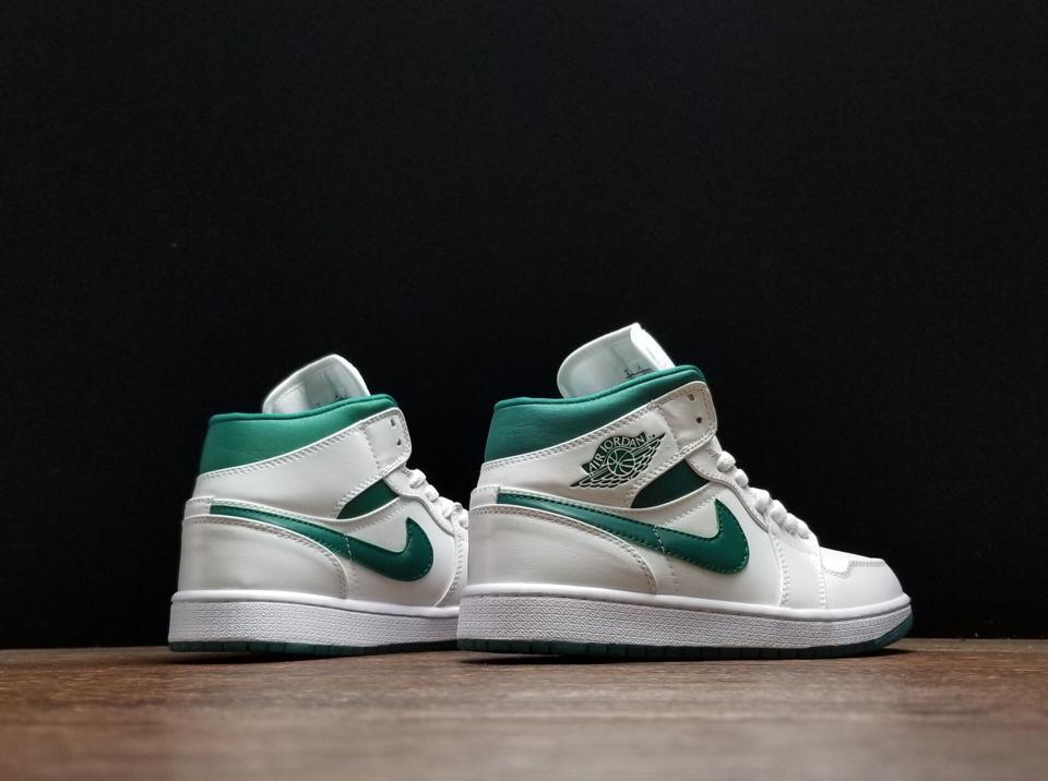 Air Jordan 1 Mid Mystic Green 8