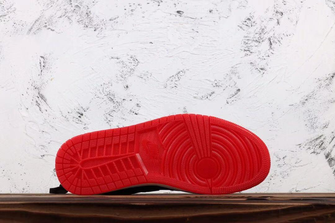 Air Jordan 1 Retro Mid Bred 6