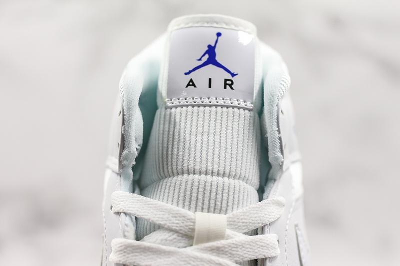 Air Jordan 1 Retro Mid White Concord 6