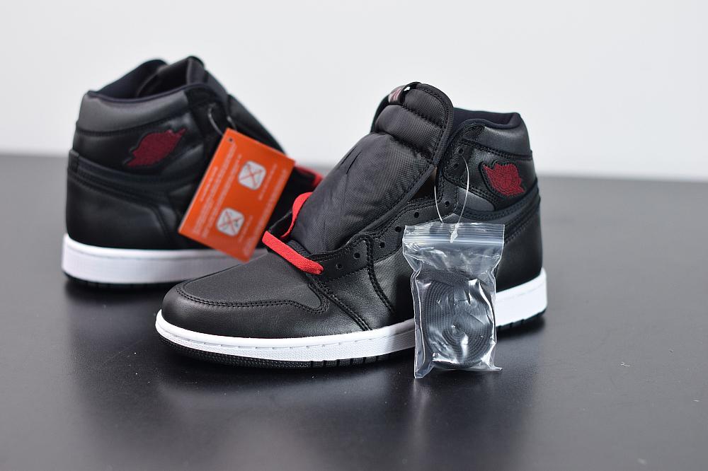 Air Jordan 1 Retro High OG Black Gym Red 1