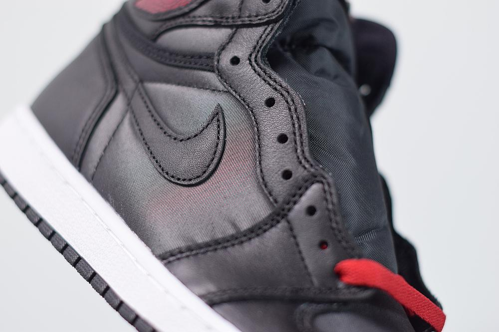 Air Jordan 1 Retro High OG Black Gym Red 5