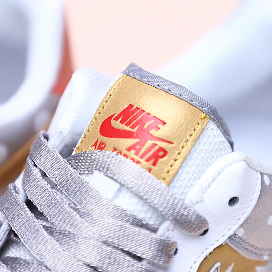 Wmns Air Force 1 Low Metallic Gold 6