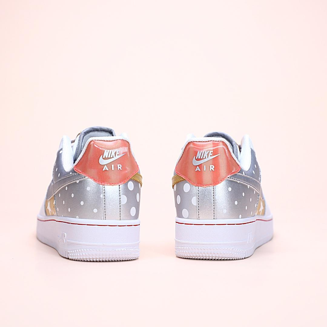 Wmns Air Force 1 Low Metallic Gold 8