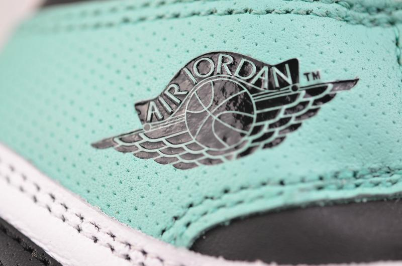 Wmns Air Jordan 1 Retro High Multi Color 12