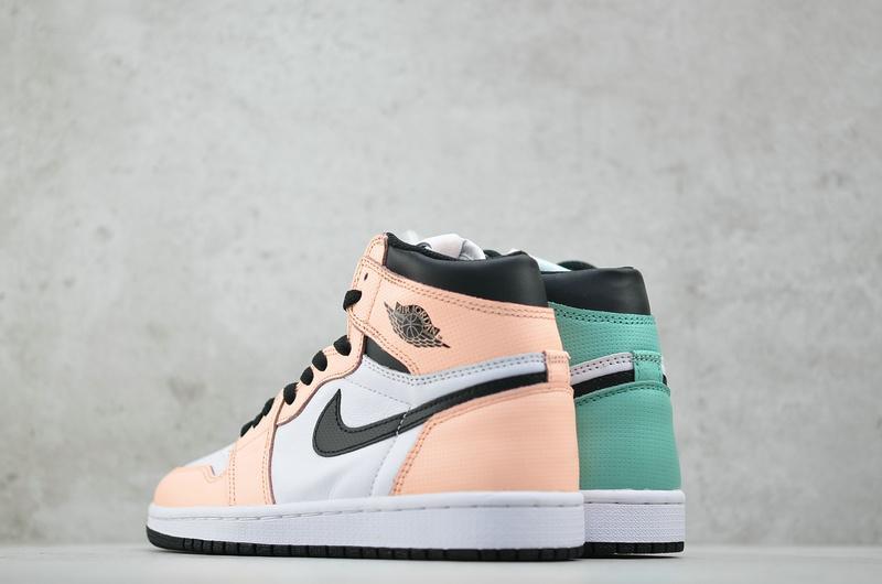 Wmns Air Jordan 1 Retro High Multi Color 3