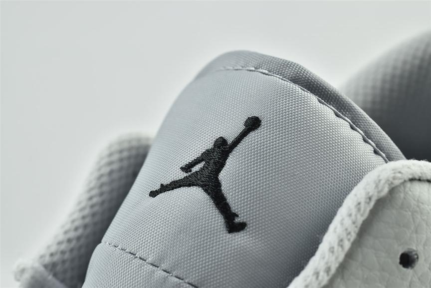 Air Jordan 1 Low White Camo 10
