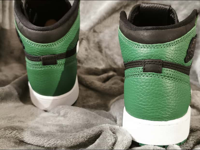 Air Jordan 1 Retro High OG GS Pine Green 2.0 10