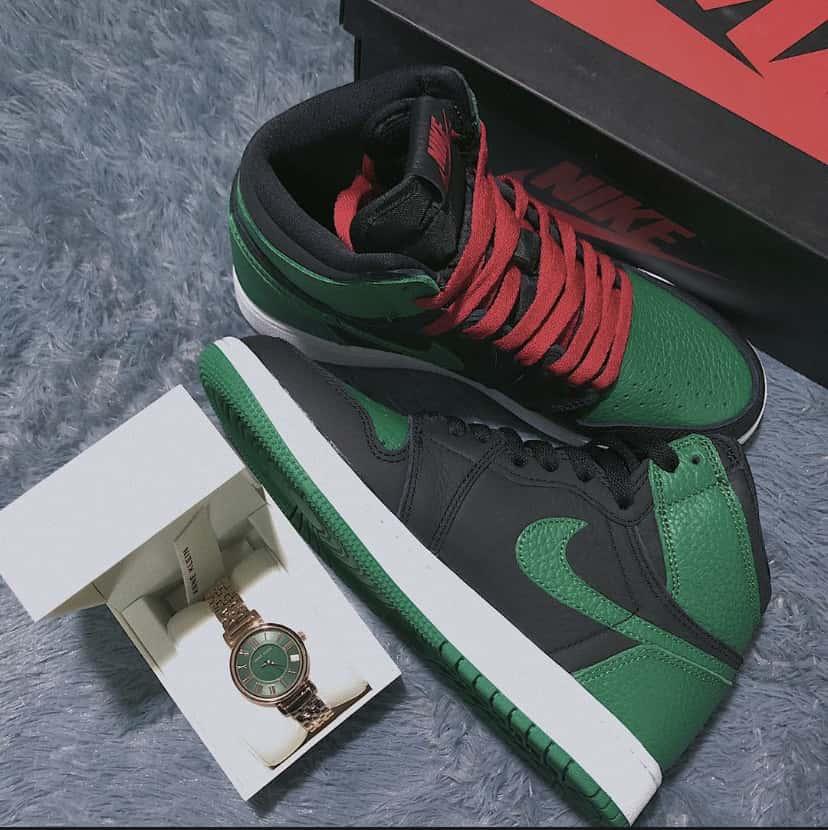 Air Jordan 1 Retro High OG GS Pine Green 2.0 4