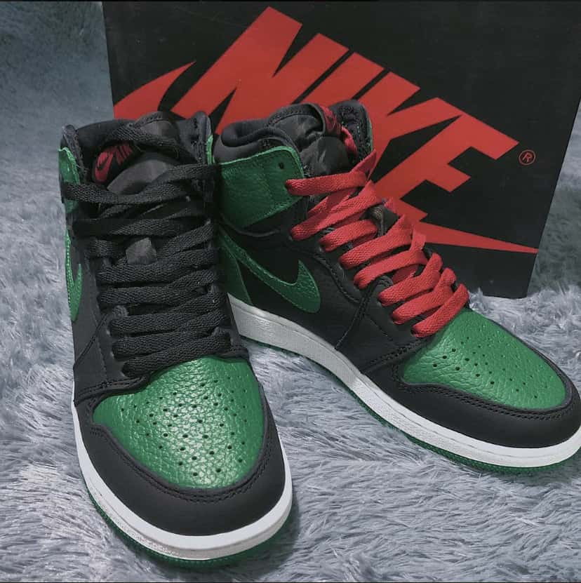 Air Jordan 1 Retro High OG GS Pine Green 2.0 5