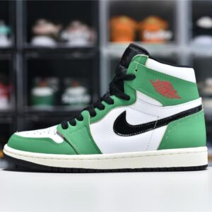 Wmns Air Jordan 1 Retro High OG Lucky Green 1