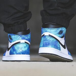 Wmns Air Jordan 1 Retro High OG Tie Dye 1