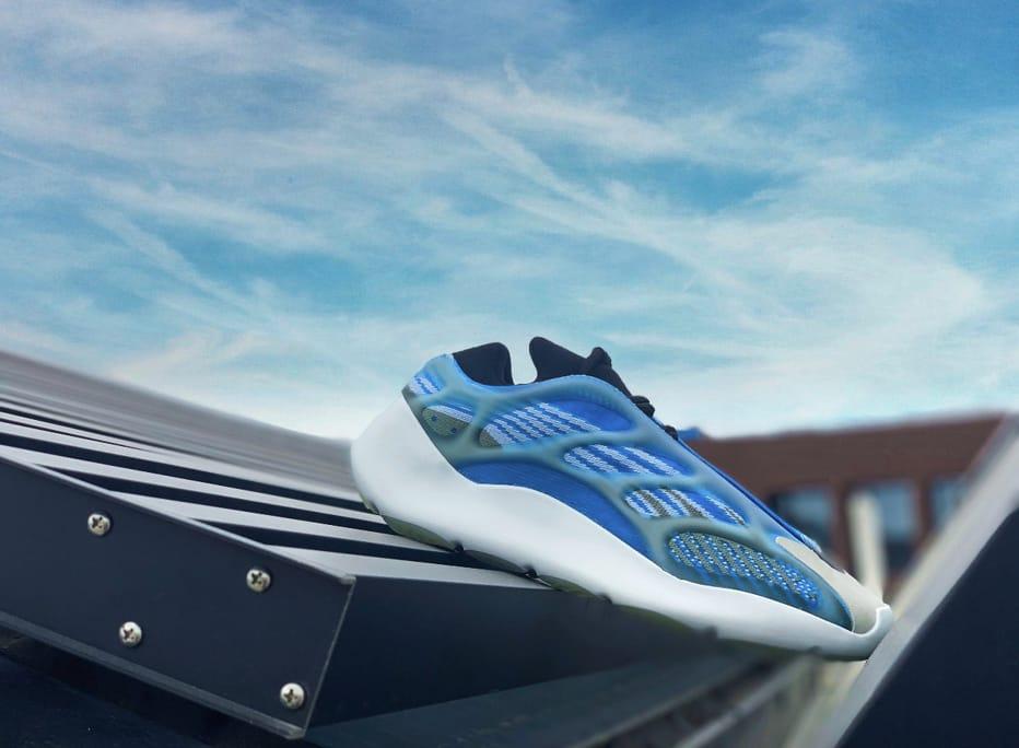 adidas Yeezy 700 V3 Arzareth 33
