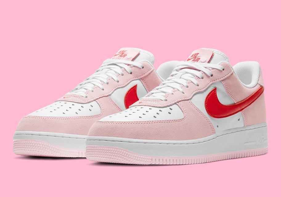Nike Air Force 1 ko Dnyu svyatogo Valentina 2021 1