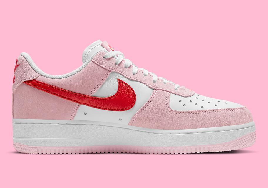 Nike Air Force 1 ko Dnyu svyatogo Valentina 2021 3