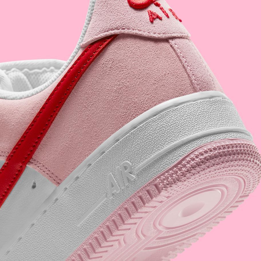 Nike Air Force 1 ko Dnyu svyatogo Valentina 2021 7