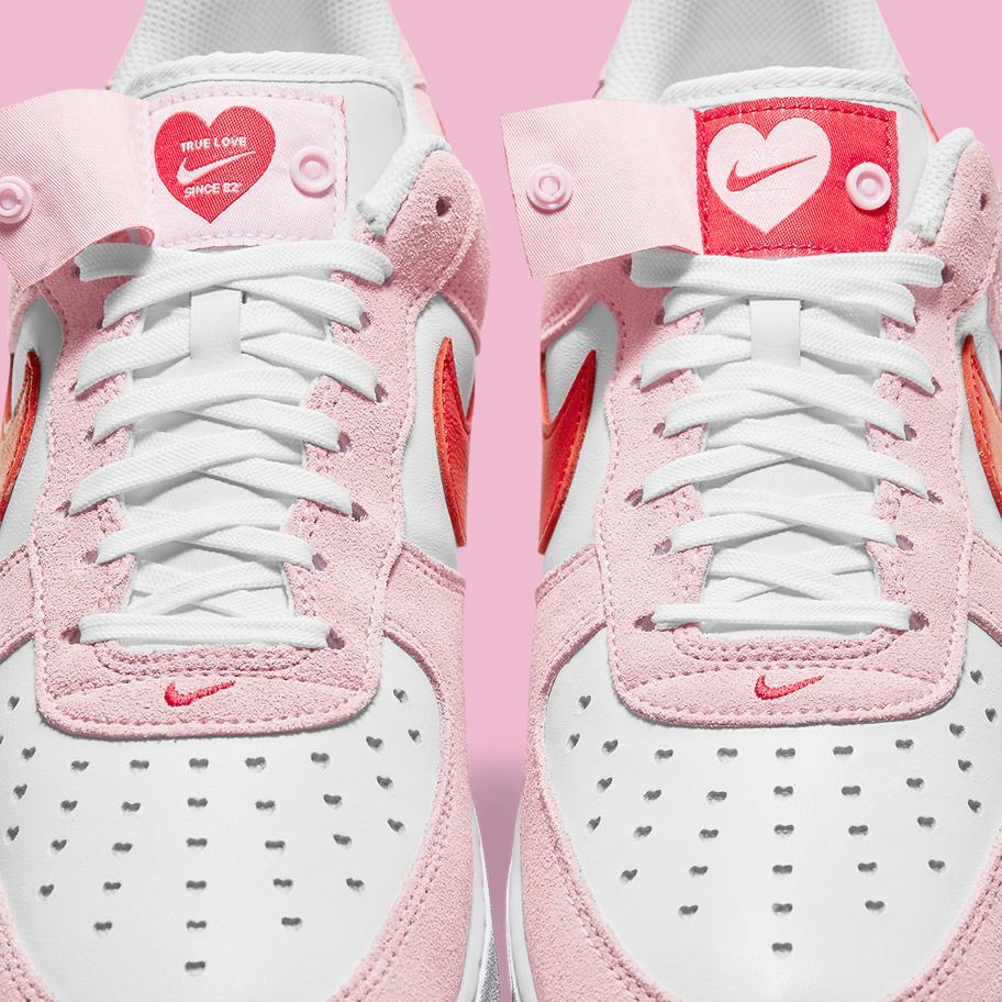 Nike Air Force 1 ko Dnyu svyatogo Valentina 2021 9