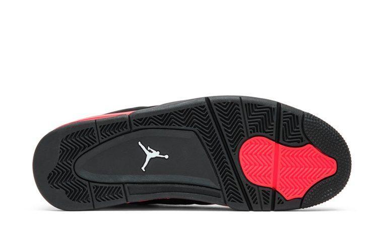 Air Jordan 4 Red Thunder vyjdut v oktyabre 5