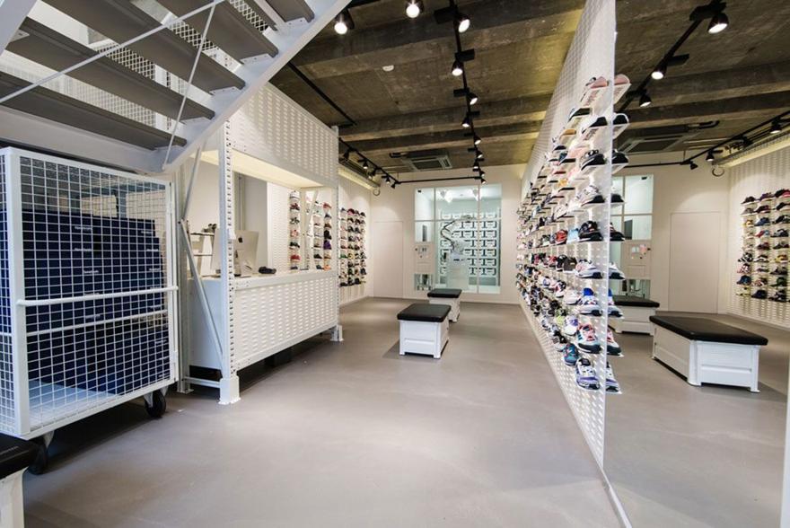 Magaziny krossovok v Berline kotorye stoit posetit Solebox Nurnbergerstrasse 2